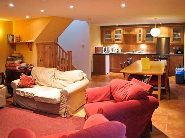 Bugaboo Cottage in Weem - sleeps 7 people