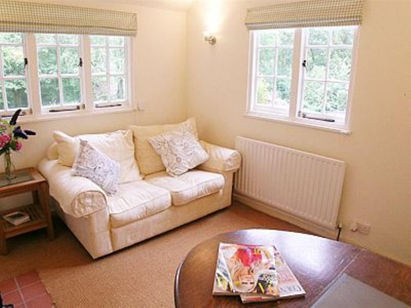 Bumbles Cottage in Bolney, nr. Haywards Heath, W. Sussex. - sleeps 2 people