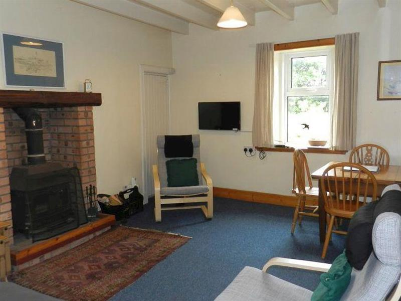 Burnside Cottage in Sliddery, Isle of Arran - sleeps 6 people