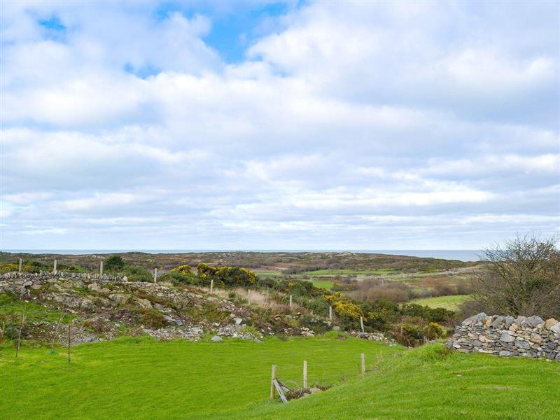 Cae Pant Cottages - Cadwgan in Llaneilian, near Amlwch, Anglesey - sleeps 8 people
