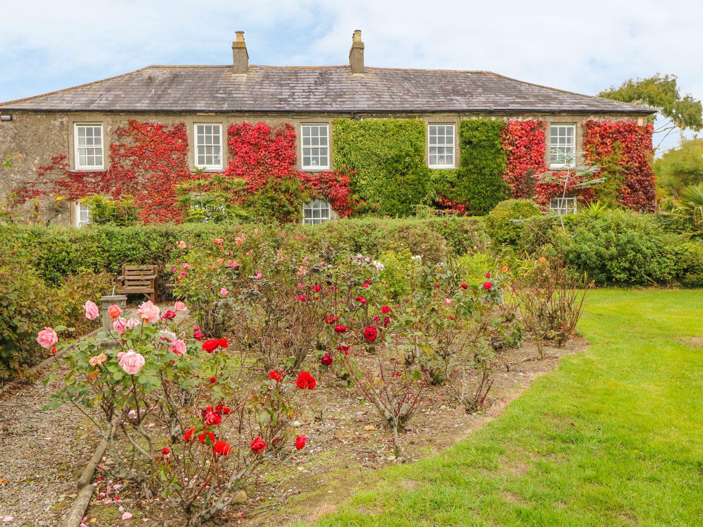 Cairbre House in Dungarvan - sleeps 10 people