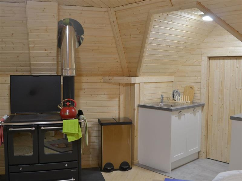 Cairngorm Bothies - Mountaineers Bothy in Logie Coldstone, near Dinnet - sleeps 4 people