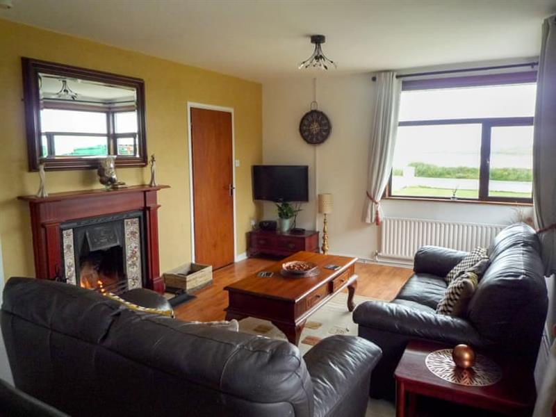 Carne-elly Cottage in Carne, near Belmullet, County Mayo - sleeps 6 people