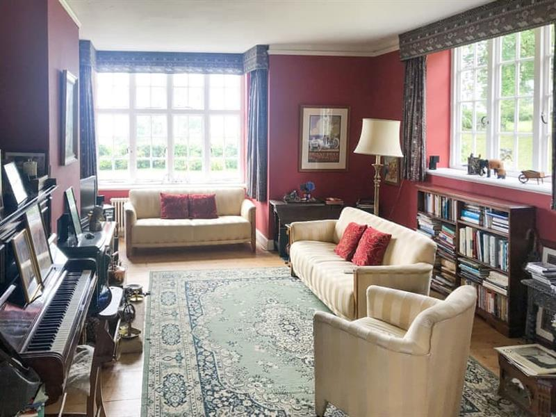 Castle Hill House in Sidbury, near Sidmouth - sleeps 12 people