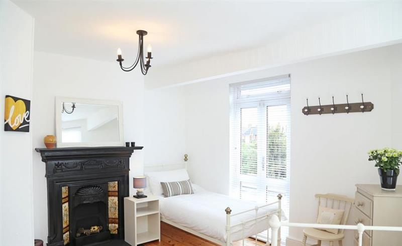 Castle View in Whitstable - sleeps 6 people