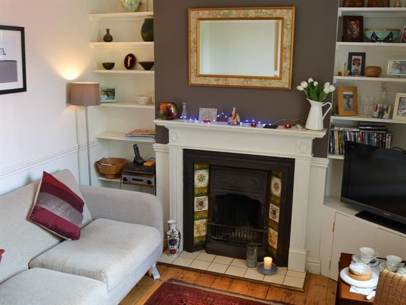 Cherry Cottage in Great Shelford, near Cambridge - sleeps 4 people