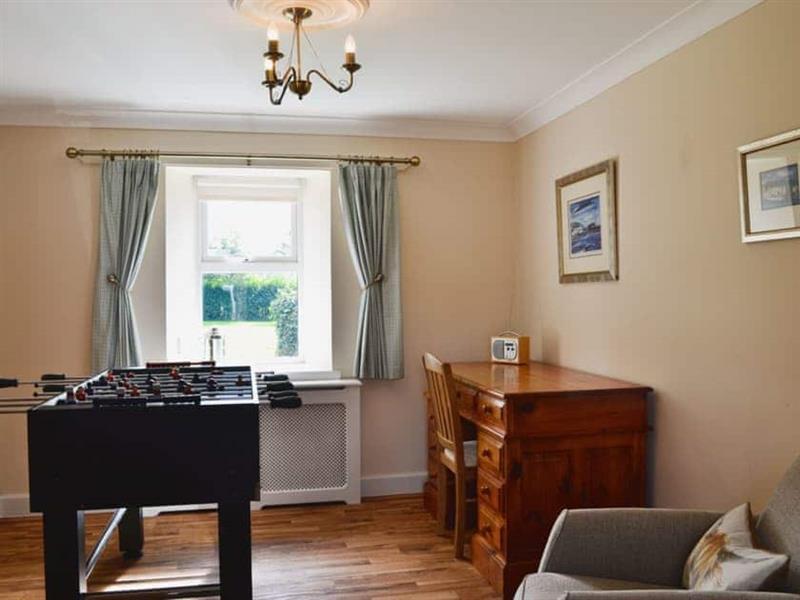 Chestnut Cottage in Prestwick - sleeps 8 people