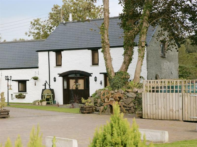 Church View Holiday Cottages - Primrose in Rosemarket, near Haverfordwest - sleeps 4 people
