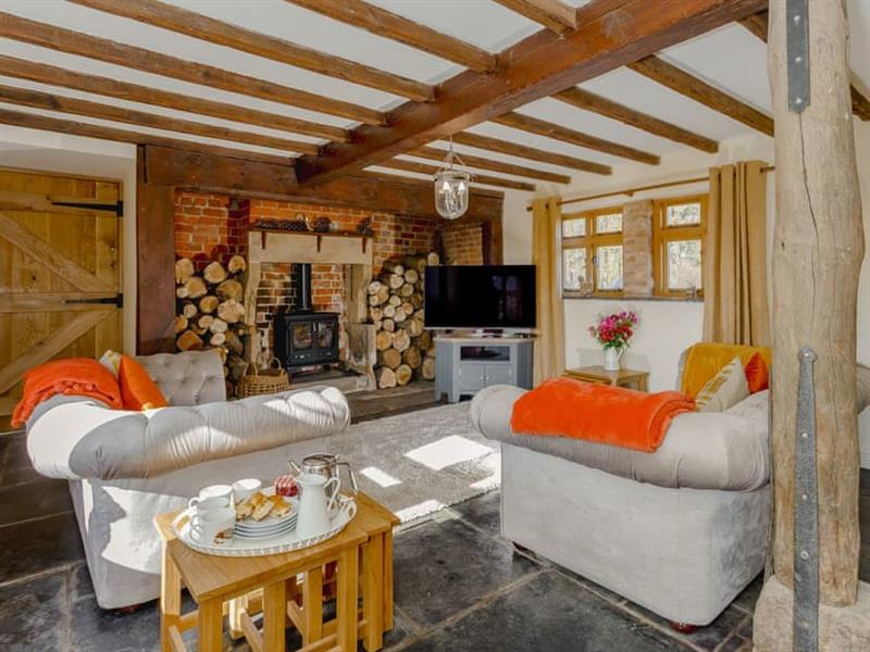 Church View Retreat Holiday Cottages - Bumble Bee Cottage in Sutton-on-the-Hill, near Ashbourne - sleeps 10 people