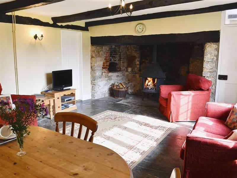 Churchill Cottage in Glanvilles Wootton, Sherborne. - sleeps 6 people