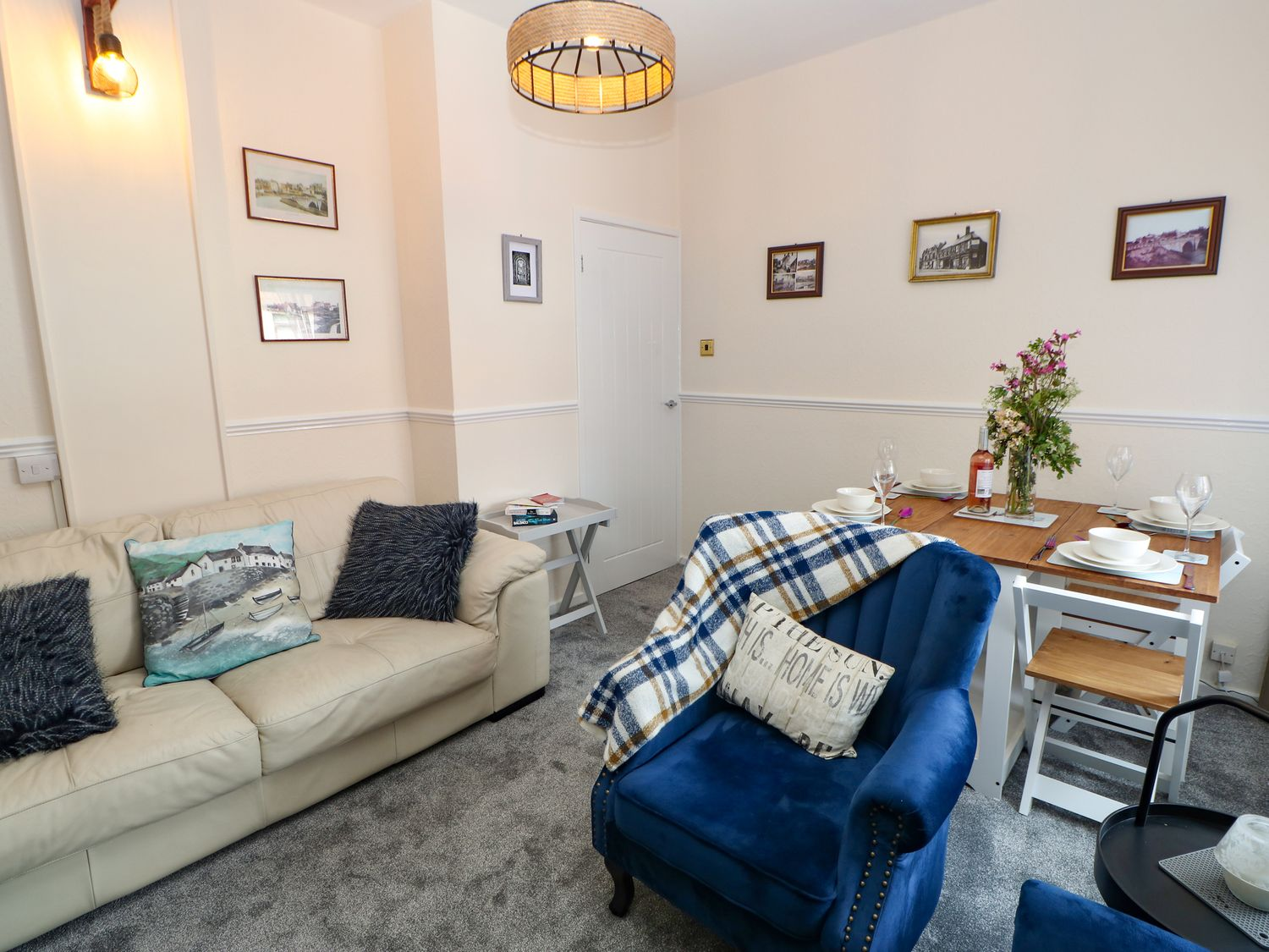 Cicely's Place in Newcastle - sleeps 4 people