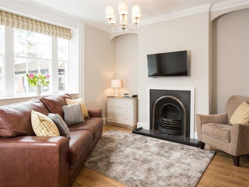 Cintra House in Whitby - sleeps 6 people