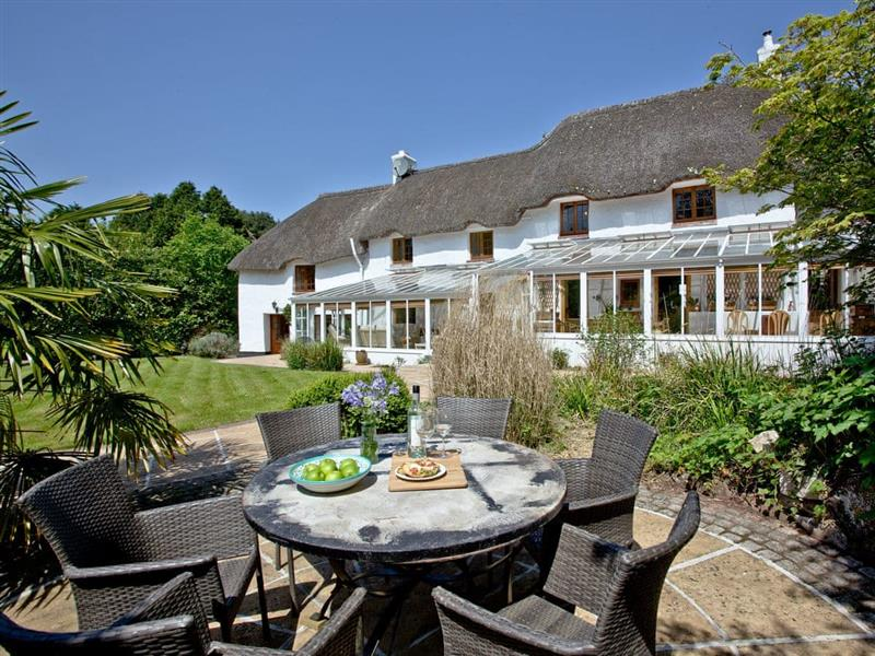 Clapham Cottage in Exeter - sleeps 8 people