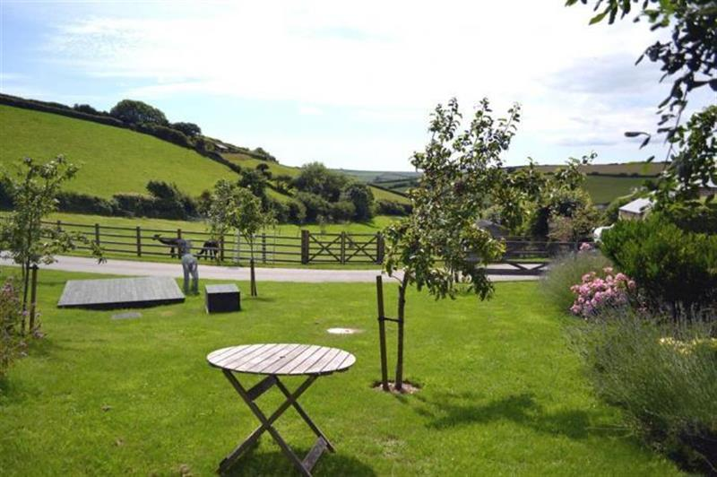 Clarence Cottage in Stoke Fleming - sleeps 2 people