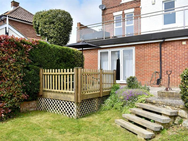 Clarence House Holiday Apartments - Helena Apartment in Shanklin - sleeps 4 people