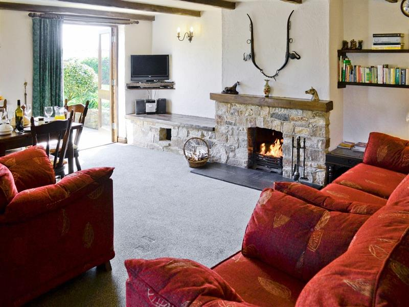 Clip-Clop Cottage in Crantock, Nr Newquay, Cornwall. - sleeps 4 people