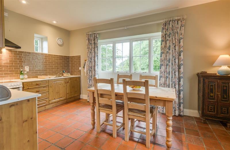Coach House 2 (County Fermanagh) in Lisbellaw - sleeps 4 people