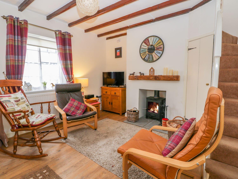 Coachmans Cottage in Nafferton - sleeps 4 people