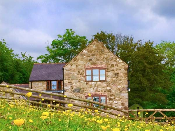 Coed Y Gaer in Llansilin near Oswestry - sleeps 7 people