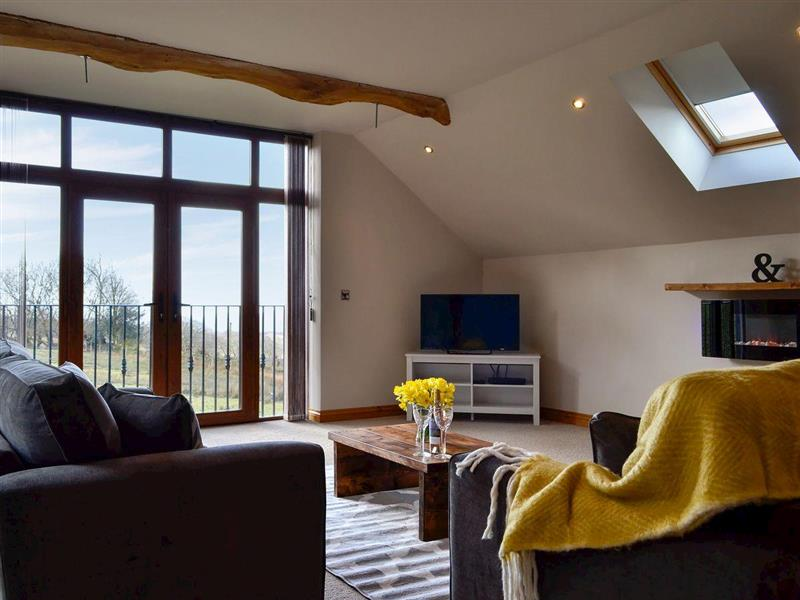 Coed y Nant Barn in Rhôs, near Pontardawe, Glamorgan - sleeps 6 people