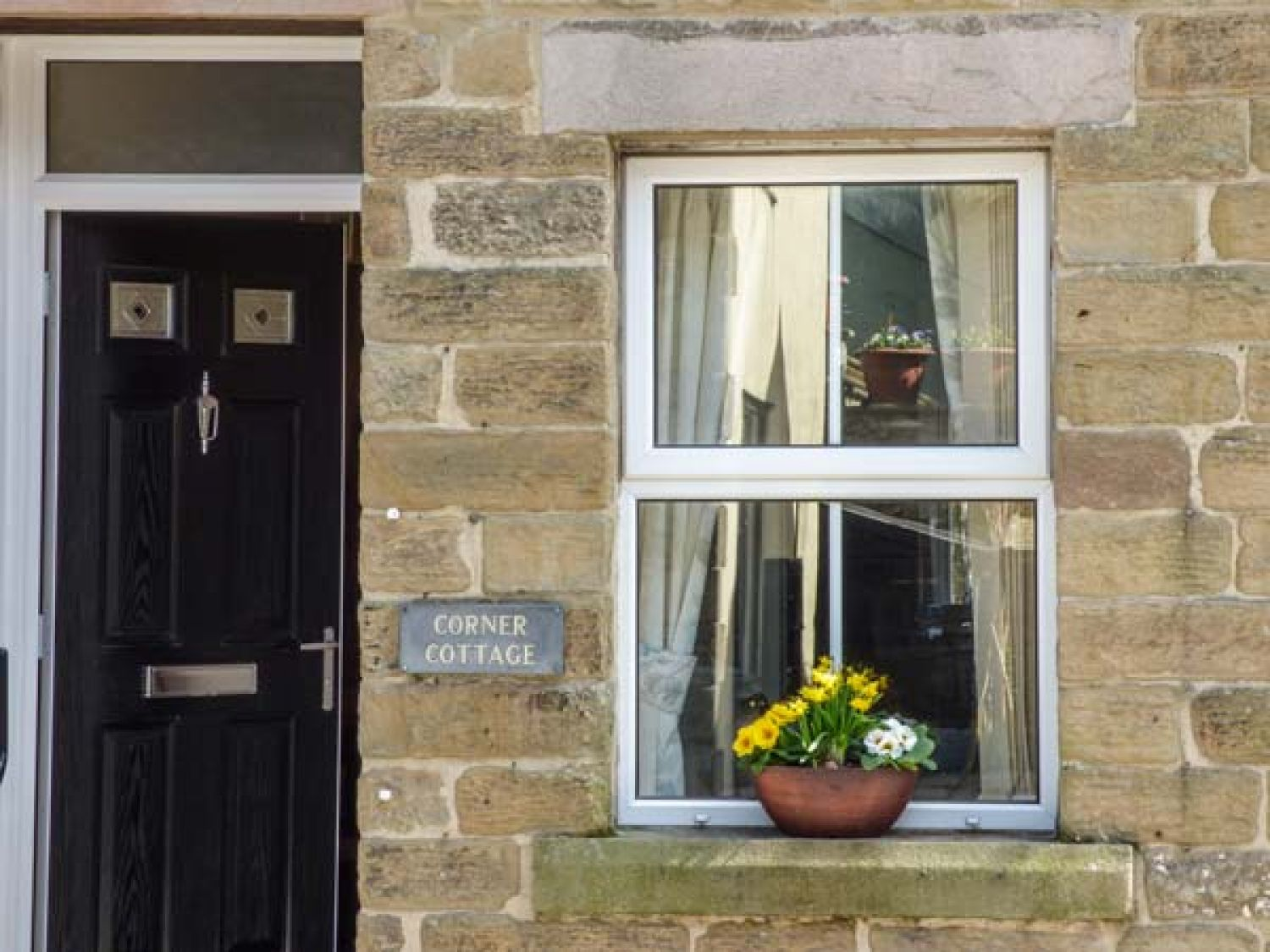 Corner Cottage in Tideswell - sleeps 6 people