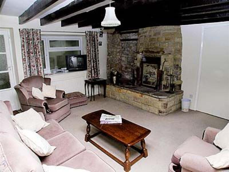 Cornerstones Cottage in Tideswell - sleeps 5 people