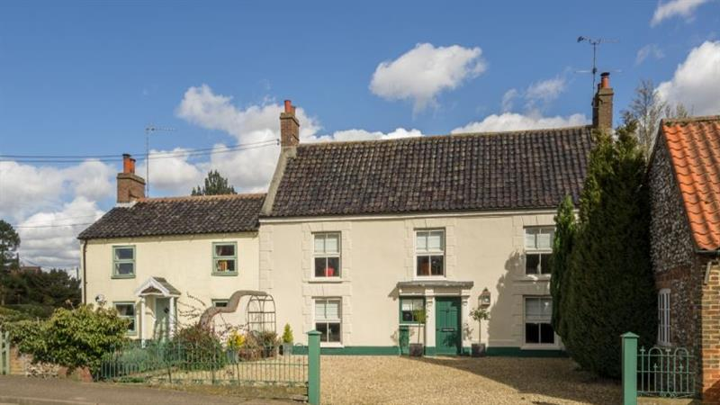 Correos House in East Rudham near Kings Lynn - sleeps 8 people