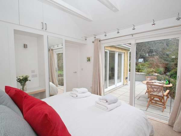 Cot Valley Cottage in St Just - sleeps 2 people