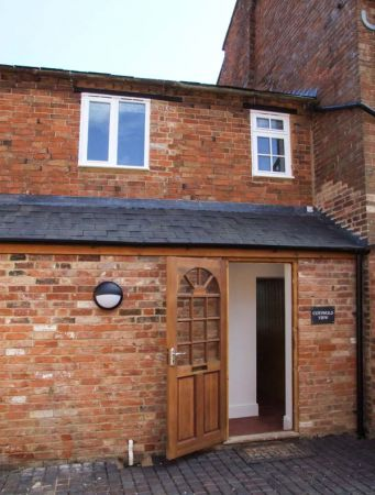Cotswold View in Clifford Chambers near Stratford-upon-Avon - sleeps 2 people