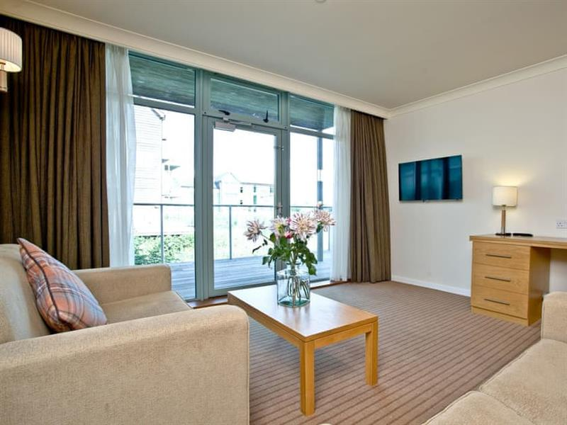 Cotswold Water Park Apartment 7 in Cirencester - sleeps 2 people