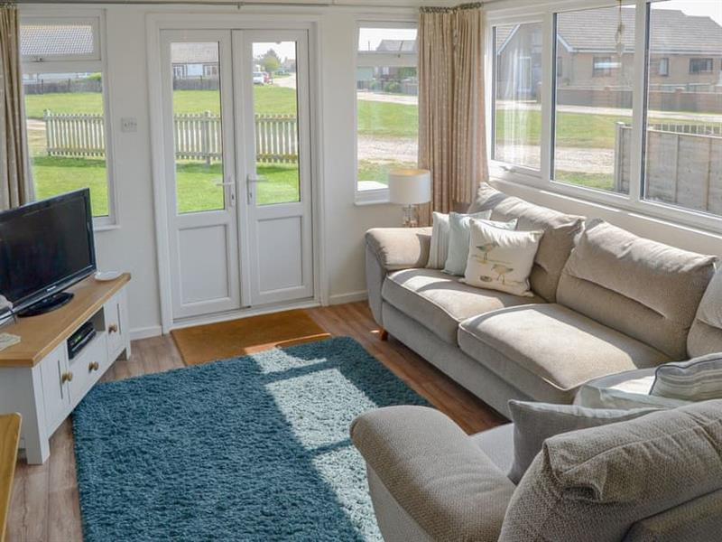 Cottage By The Sea in Bacton, near North Walsham - sleeps 5 people