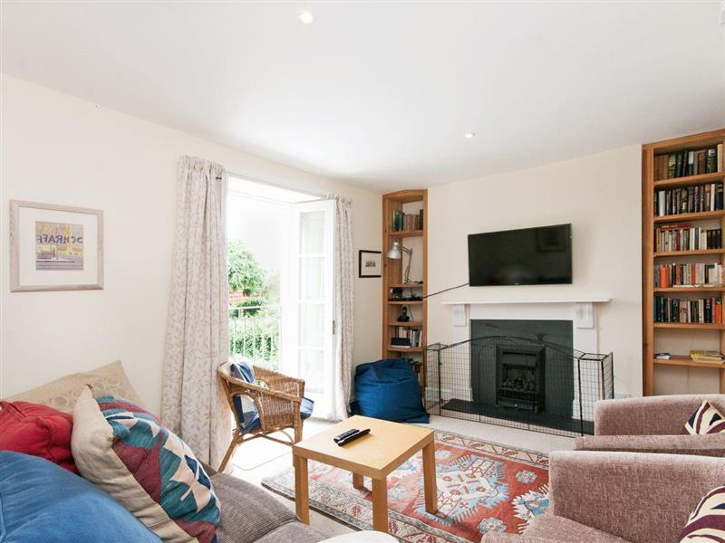 Courtenay Street 5 in Salcombe - sleeps 7 people