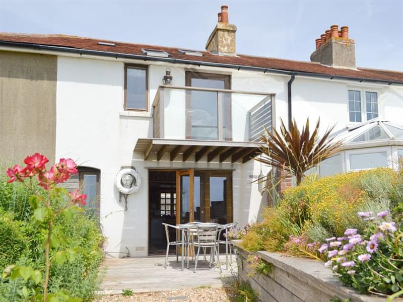 Cowes View in Hill Head, near Fareham - sleeps 4 people