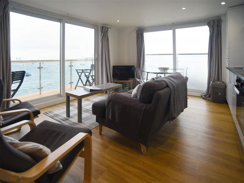 Crabbers Wharf - Chiefs Suite in Portland - sleeps 4 people