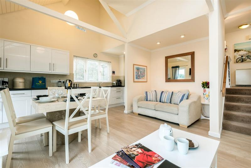 Crags 26 Bay View Cottage in Maenporth - sleeps 6 people