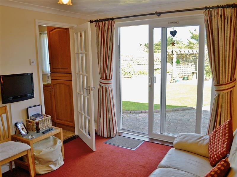 Cramore in Holywell Bay, nr. Newquay - sleeps 2 people