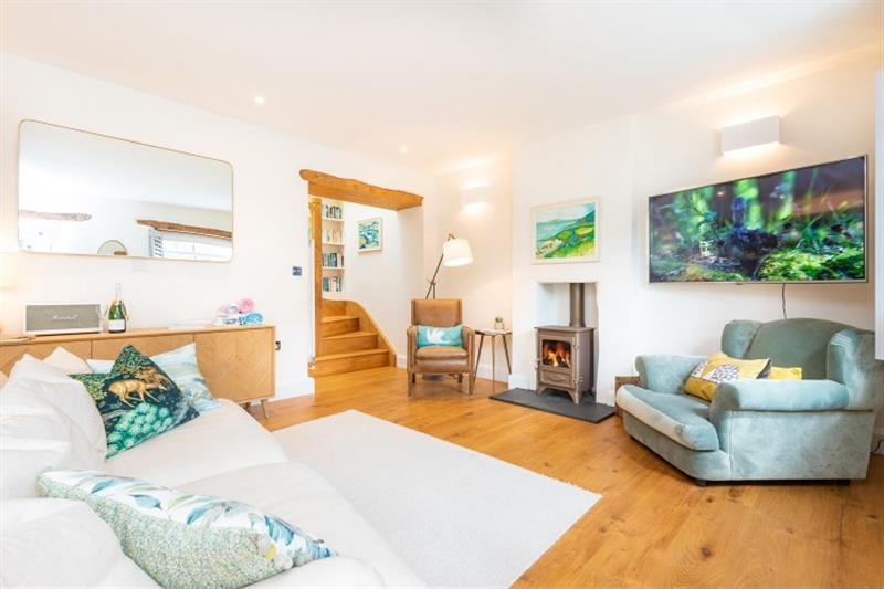 Creek End in Noss Mayo - sleeps 5 people