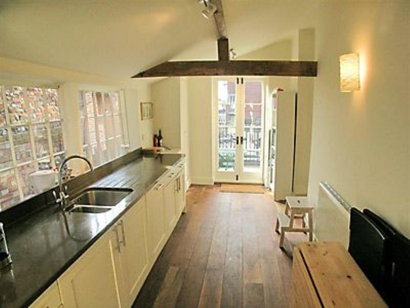 Crown and Anchor in Wells-next-the-Sea - sleeps 4 people