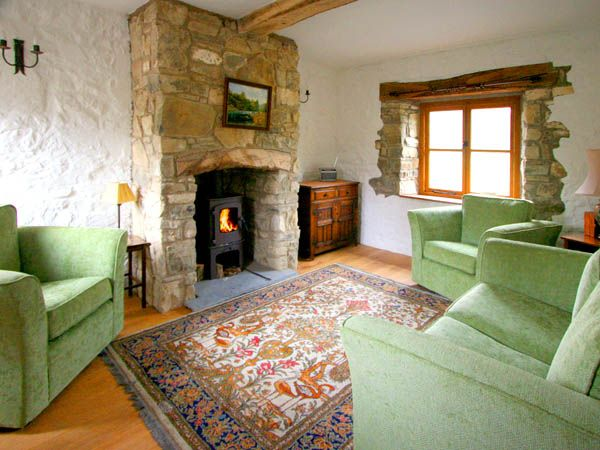 Crych Du in Llanwrthwl - sleeps 4 people
