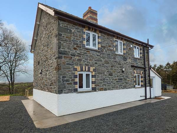 Cwmcelyn in Nantmel - sleeps 6 people