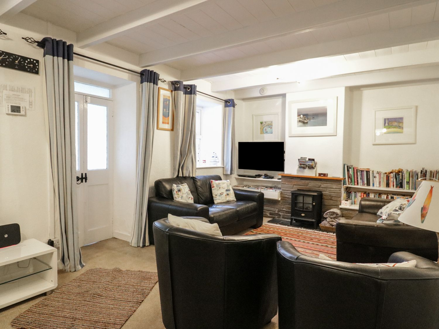 Daisy Cottage in Perranporth - sleeps 6 people