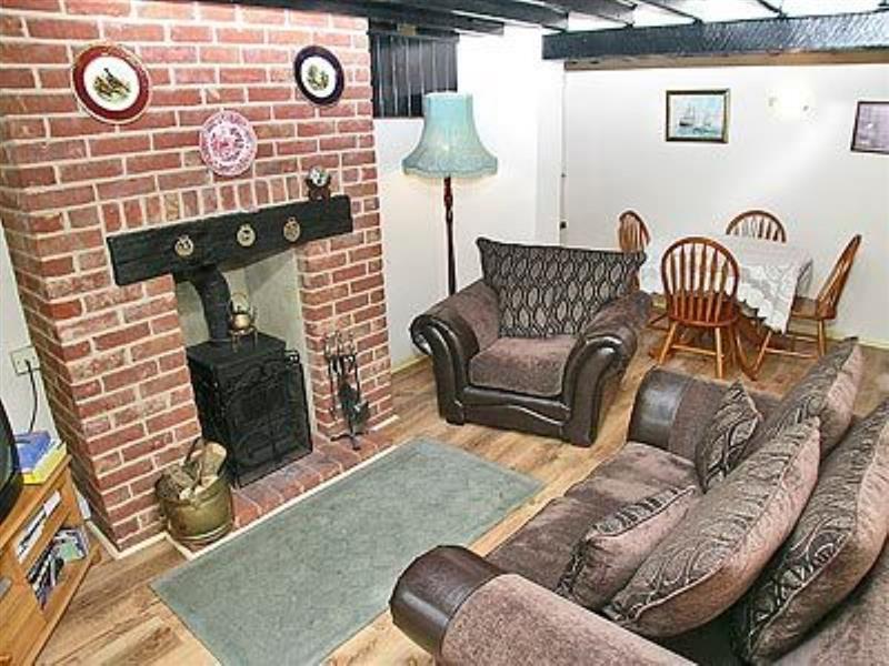 Dawn Cottage in Docking, nr. Hunstanton - sleeps 4 people