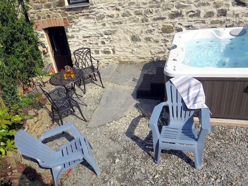 Dolgoy Cottages - Snuggle Cottage in Blaencelyn, nr. Llandysul - sleeps 2 people