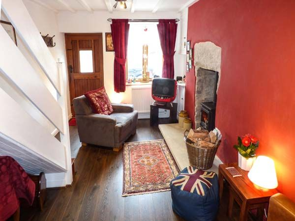 Dove Cottage in Tideswell - sleeps 2 people