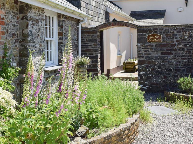 Downe Cottages - The Old Farmhouse in Hartland, near Bideford - sleeps 8 people