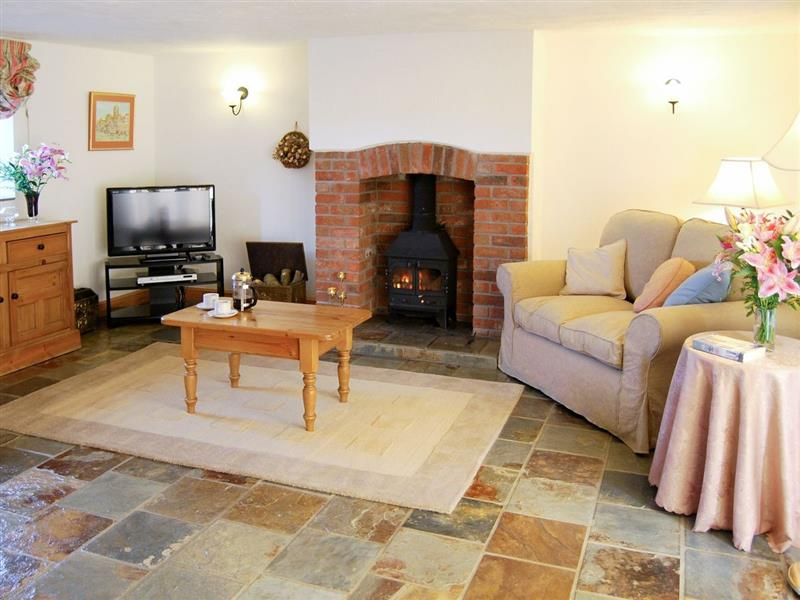 Downe Holiday Cottages - Clematis Cottage in Hartland, nr. Bideford - sleeps 2 people