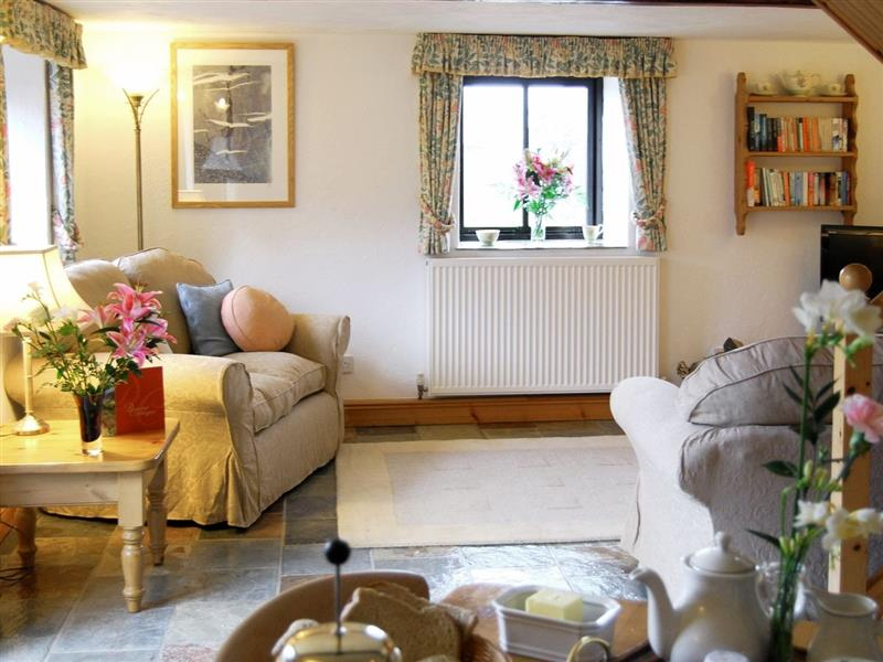 Downe Holiday Cottages - Japonica in Hartland, nr. Bideford - sleeps 2 people