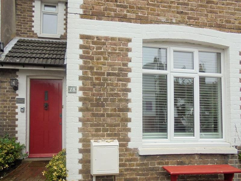 Downs Gate Cottage in Eastbourne - sleeps 4 people