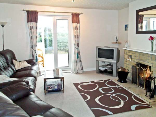 Downside in Mosterton - sleeps 4 people