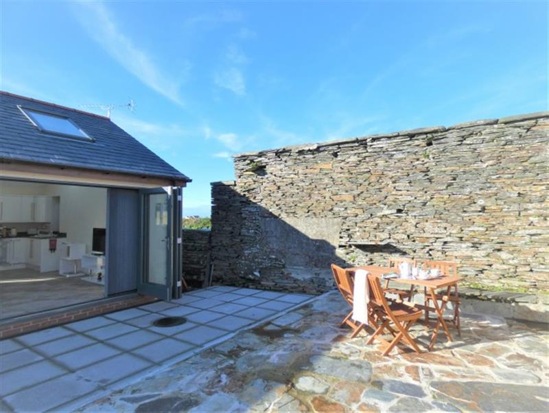 Dragon Barn in Tintagel - sleeps 4 people